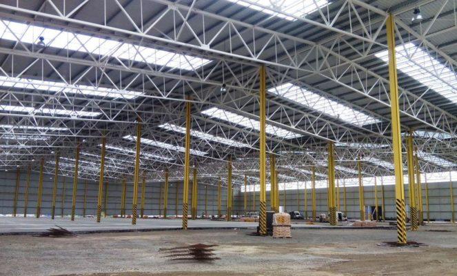 Industriehallenbau mit Trapezprofilen